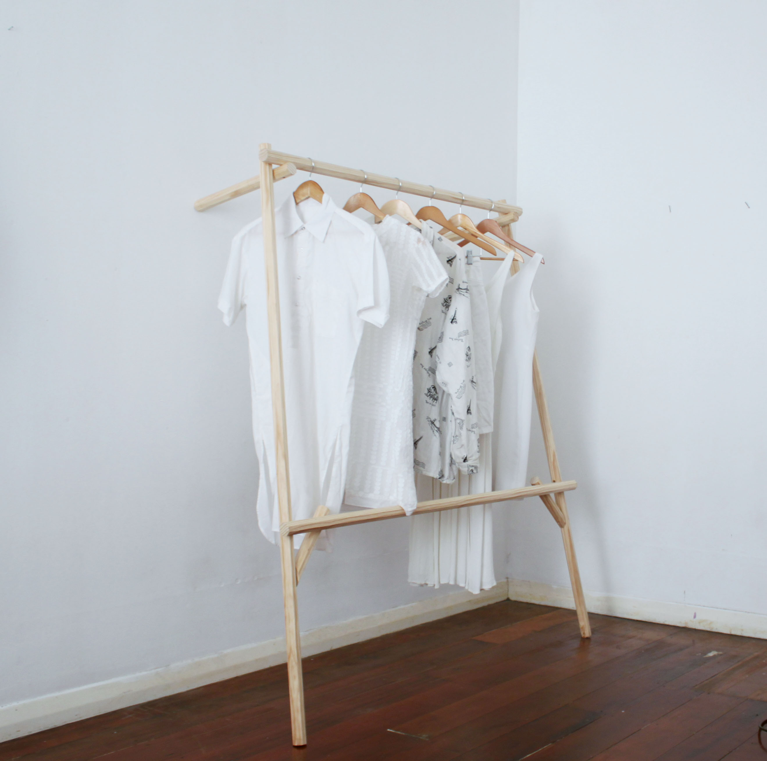 Hanging Rack for Aria